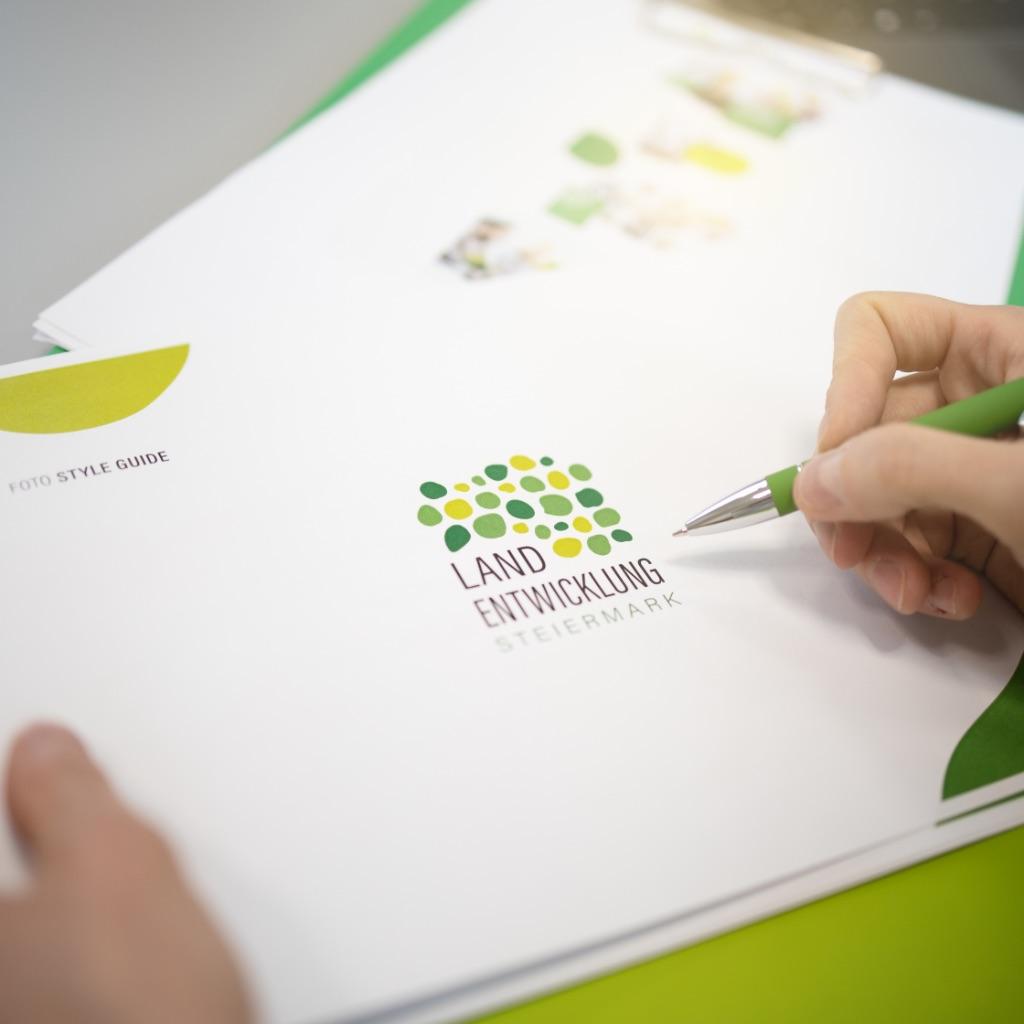 Folder Landentwicklung